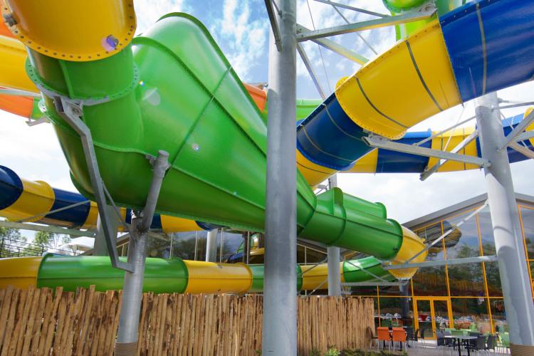 Aqua_Mexicana_outdoor_slides